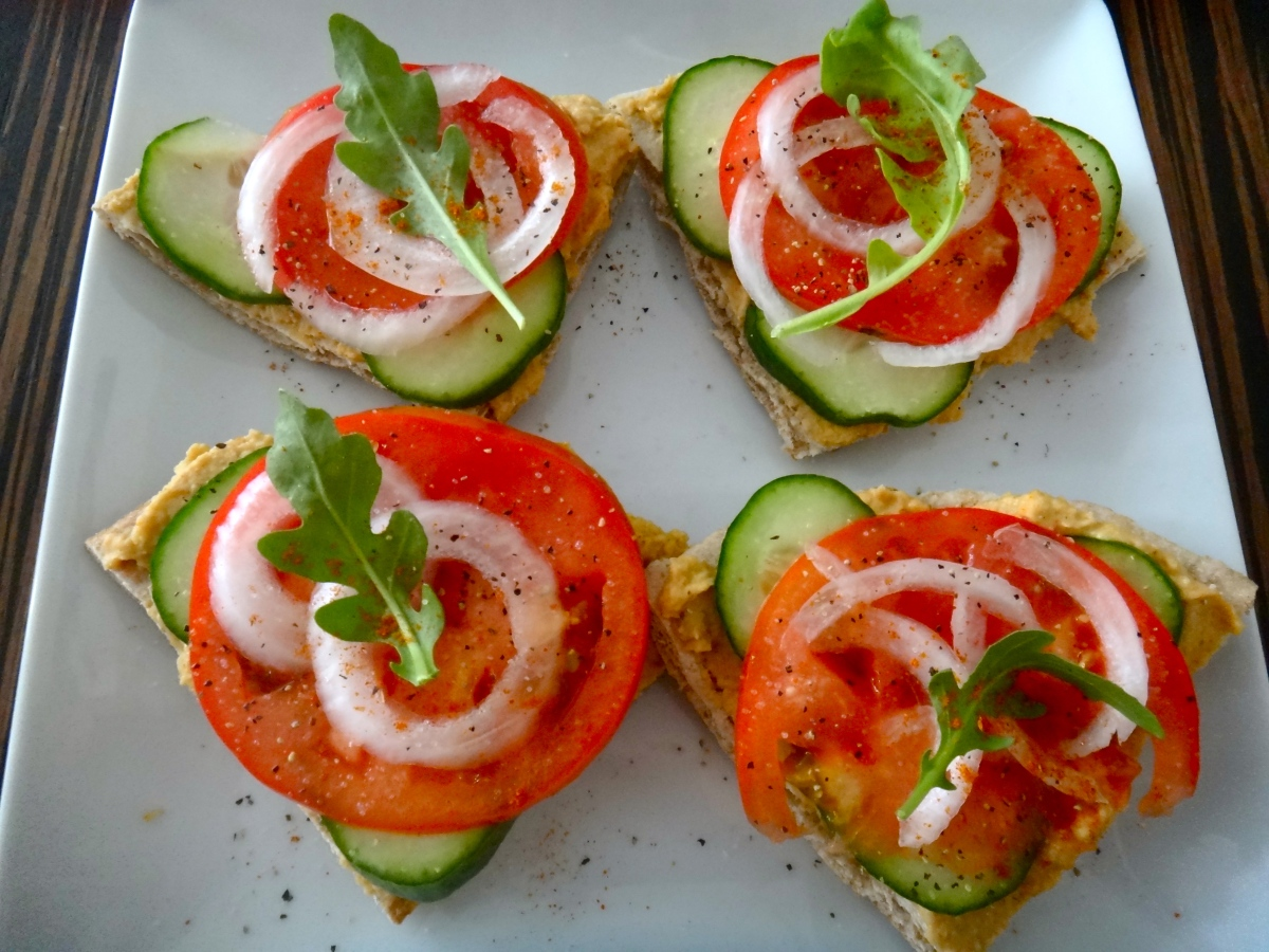 Greek hummus canap s healthy happy whole for Appetizer canape