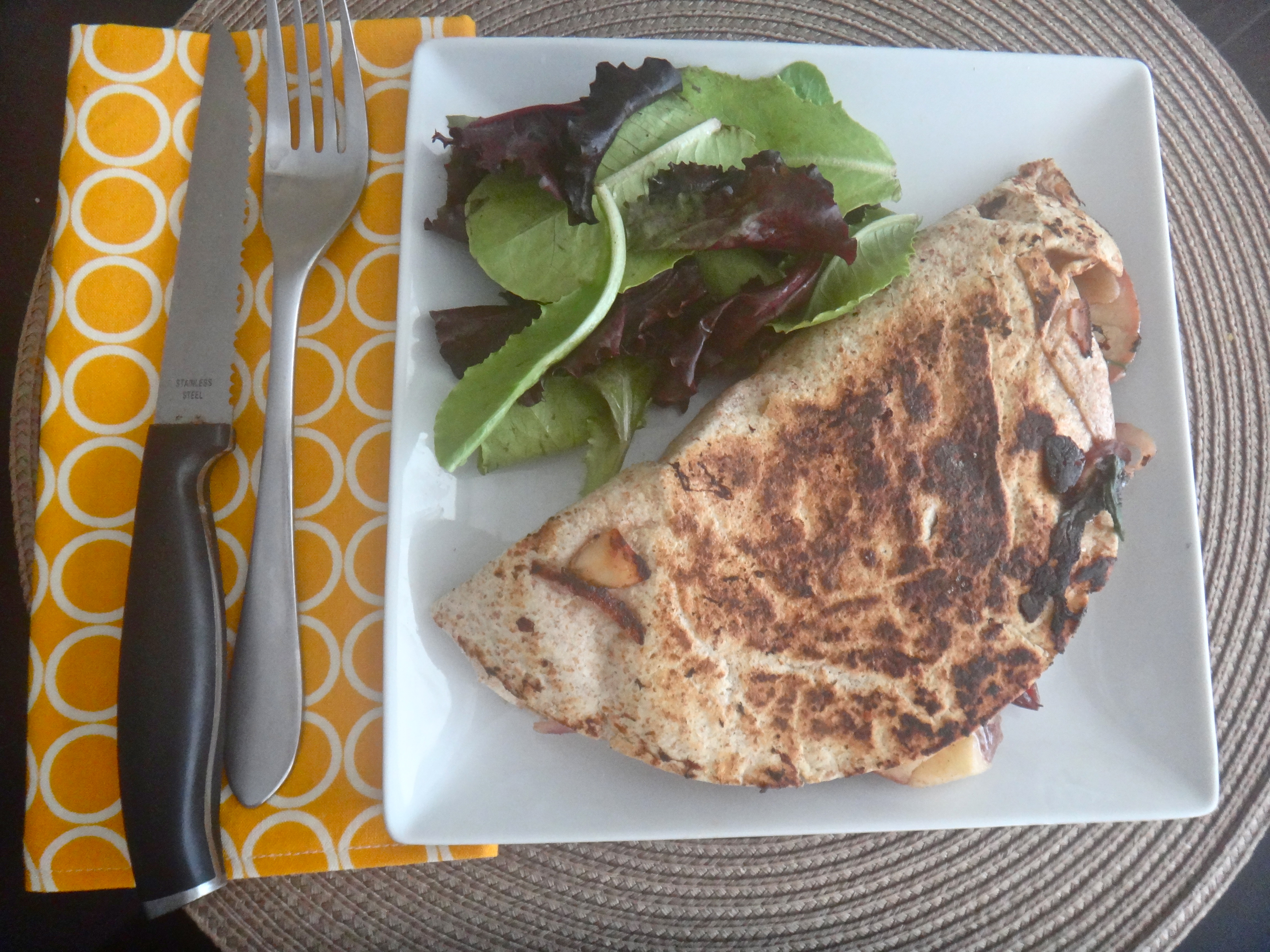 Quick vegetarian lunch: Apple, Spinach, Almond & Swiss Quesadilla ...