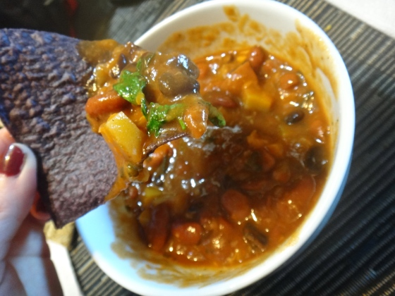{3-bean stovetop chili: one pot, super easy, perfect for a footballweekend}