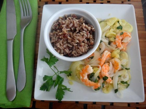 Lemon-garlic shrimp with zucchini medley