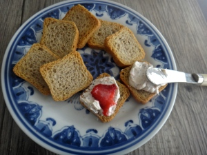 Strawberry-rhubarb cream cheese spread